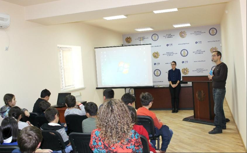 «Այբ» դպրոցի աշակերտներն այցելել են Պաշտպանի աշխատակազմ