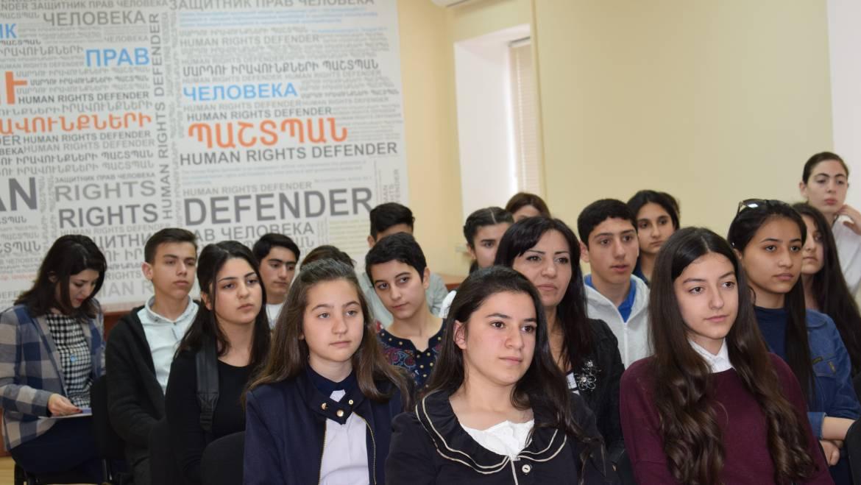 Արմավիրի մարզի տարբեր դպրոցների աշակերտներ այցելել են Պաշտպանի աշխատակազմ