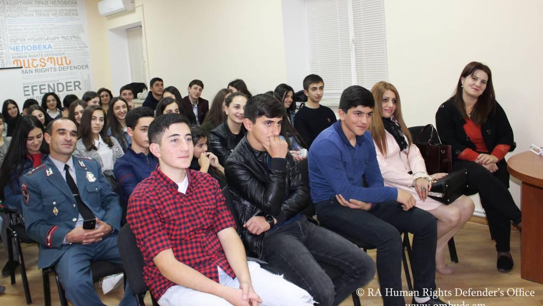 Վարդենիսի ավագ դպրոցի աշակերտներն այցելել են Պաշտպանի աշխատակազմ
