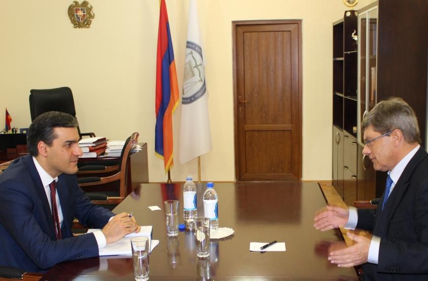 Մարդու իրավունքների պաշտպանը հանդիպում է ունեցել Լեհաստանի Հանրապետության դեսպանի հետ