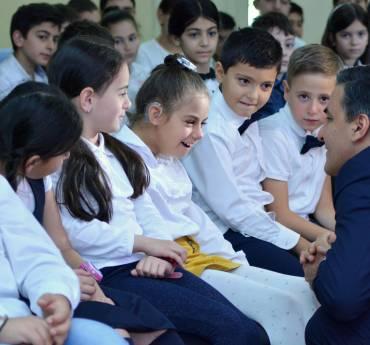 Յուրաքանչյուր երեխայի պետք է տալ աշխարհը փոխելու հնարավորություն. Մարդու իրավունքների պաշտպանն ամփոփել է #փոխիրաշխարհը իրազեկման արշավը