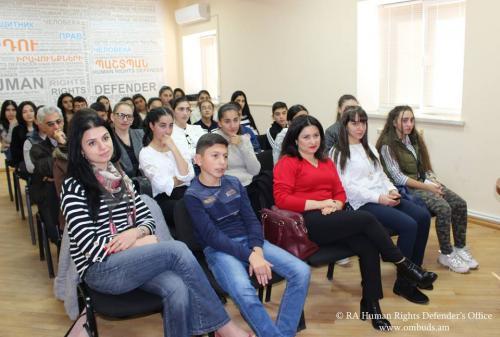Շիրակի մարզի ավագ դպրոցի աշակերտներն այցելել են Պաշտպանի աշխատակազմ